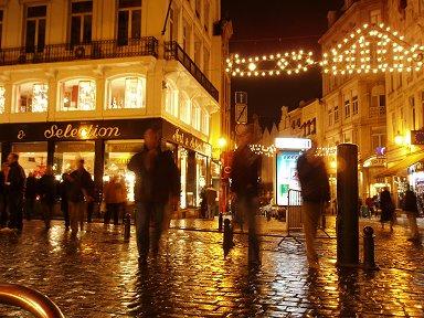 雨上がり夜のブリュッセルdownsize