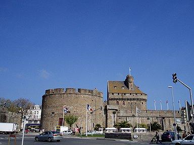 サンマロ旧市街の遠望やっぱり砦だdownsize
