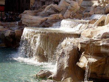 トレヴィの泉の近景Fontana di Trevi downsize