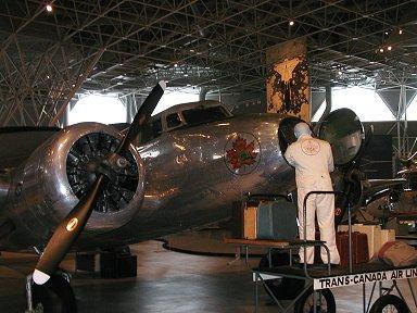 航空郵便も載せたのかなロッキード社製Electra Junior旅客機downsize