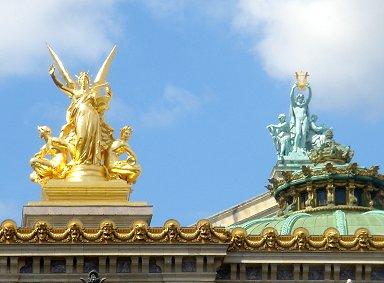 オペラの屋根に金ピカの神さんREVdownsize