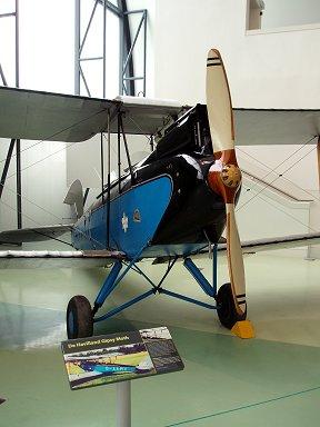 デハビランド社の蛾一族ジプシーモス(De Haviland Gipsy Moth) 青がきれいdownsize