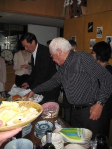 滝田さんとチーズのプロ坂本さん