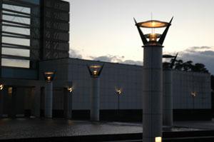 県立芸術劇場のライト