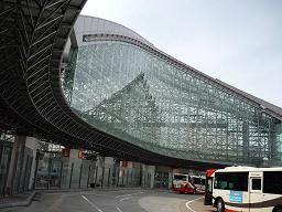 金沢駅外観1