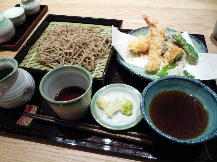1.手打ち蕎麦 萱草庵 (天せいろ)