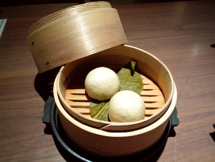 2.蕎肆 穂乃香 (桜の蕎麦饅頭)