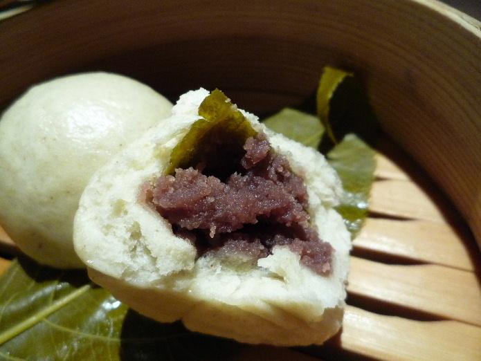2.蕎肆 穂乃香 (桜の蕎麦饅頭・あんこ)