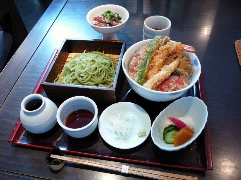 19.手打ち蕎麦 銀杏 (天丼御膳よもぎヴァージョン)
