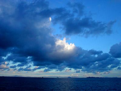 瀬戸内海の空