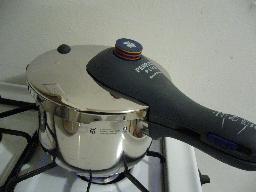 pressure cooker1