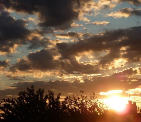 20110924Rising sun