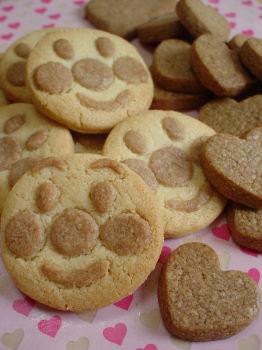 簡単クッキーでアンパンマン