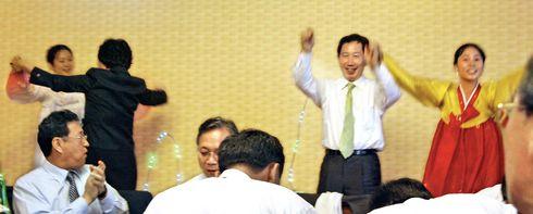 踊り狂う南鮮与党党首(藁