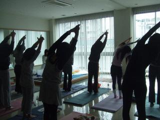 yoga-crybow_2.jpg