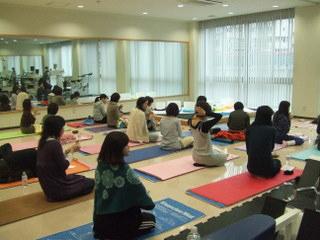 yoga-crybow_4.jpg