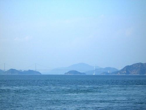 遠くに見えるは「しまなみ海道」