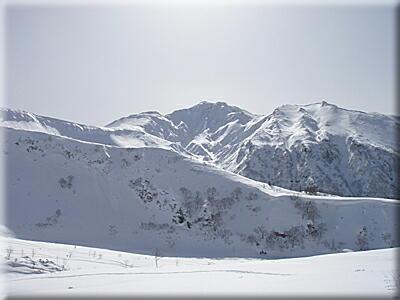 P304富良野岳