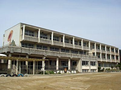 益田小学校