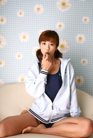 aki_hoshino_dgc1014.jpg