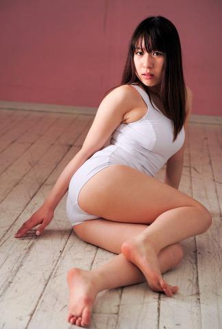 ayumi_hoshimura_dgc1049.jpg