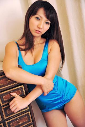 kanon_suzuki_dgc1012.jpg