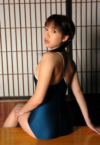 shiori_kaneko_idl330.jpg