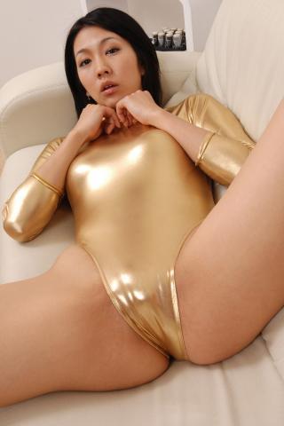shiori_tsukimi_bwh1048.jpg