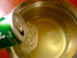 フルーツパンチの汁にサイダー入れる