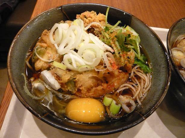 かき揚げ卵蕎麦