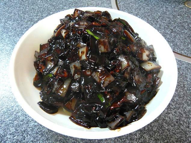 ジャージャー麺4