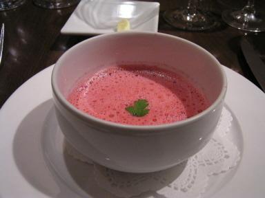 色が美しい!ビーツのスープ