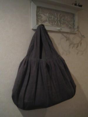 内田あやのさんバッグ