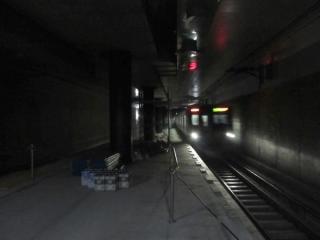 南流山駅の秋葉原寄りで進むホーム延伸工事。