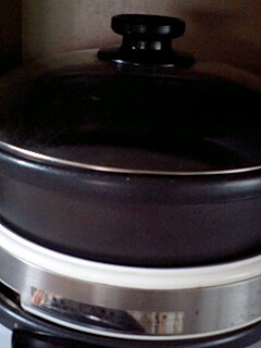 電気コンロは鍋でよく使います!