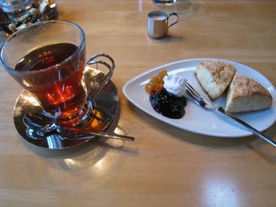 紅茶&スコーン