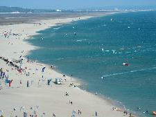 LEU05_beachair1_thumb.jpg