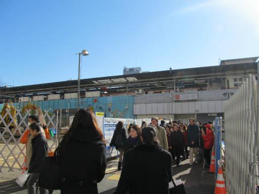 20111218・中野めぐり空10・中野駅
