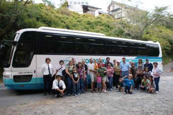 軍用車両のバス
