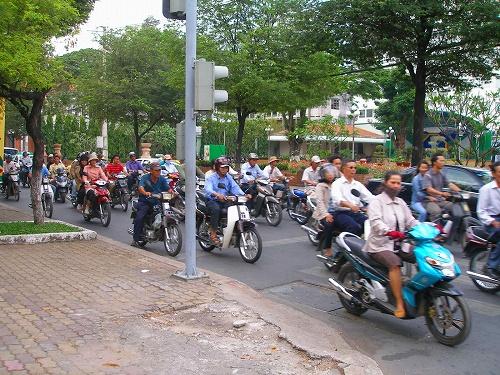 07120923街中のバイク