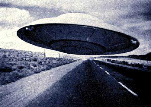 ufo-alien-invasion-electro-blog-back-to-bionic.jpg