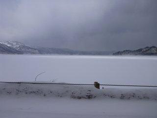s凍る十和田湖