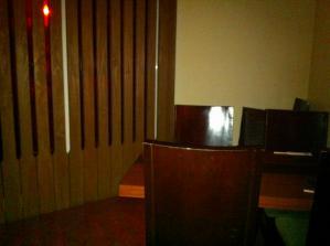Bar HEAL 店内2