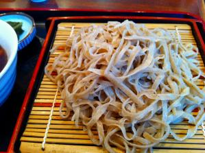 近江屋 鴨つけそば 麺アップ