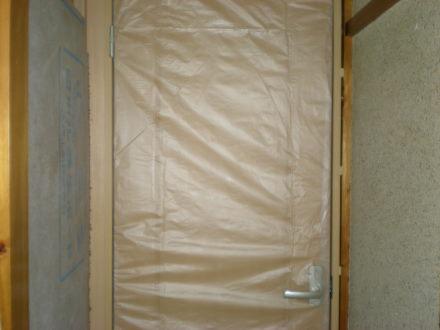 廊下のドア