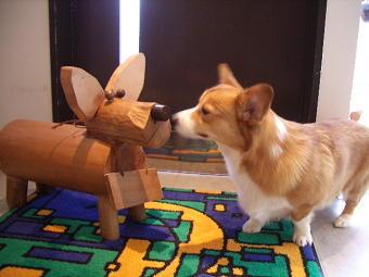 隠れ看板犬が2匹