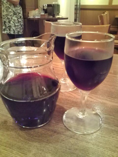 カラフェ赤ワイン