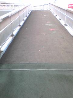 歩道橋スロープ