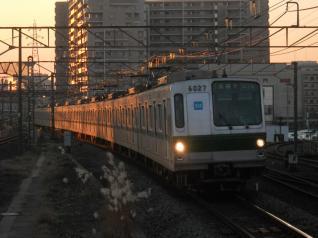メトロ6000系6027編成