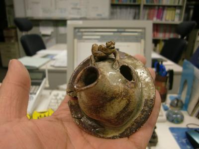 可愛い蛙クンの水差し